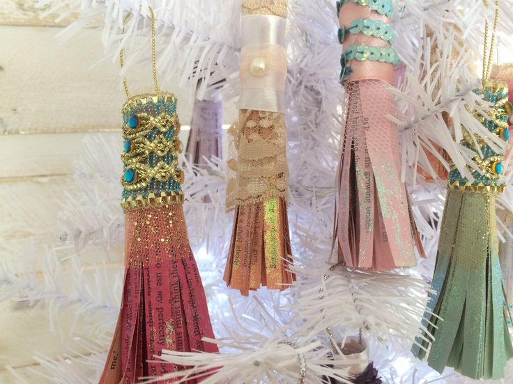 Christmas tree tassels made from recycled stuff.  #christmas #vintage #decorations #recycled