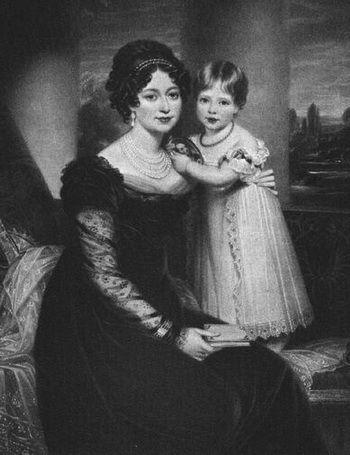 Принцесса  Виктория  с  матерью,   Ее  мать  -  Виктория Саксен-Кобург-Заальфельдская, герцогиня Кентская (нем. Victoria von Sachsen-Coburg-Saalfeld; 17 августа 1786(17860817), Кобург — 16 марта 1861, Фрогмор-Хаус) — принцесса Саксен-Кобург-Заальфельдская.