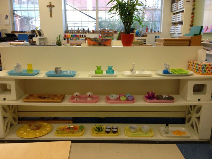 the montessori classroom essay As i walk towards his classroom i see two children a morning observing in a montessori classroom by marcy hogan   montessori blog 15 oct, 2012.