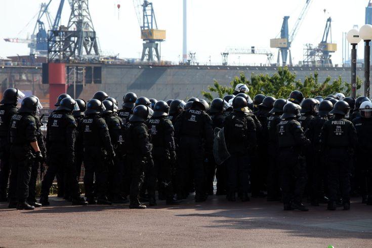 Foto: Polizei bei Anti-G20-Protest in Hamburg (über dts Nachrichtenagentur)