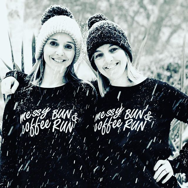 So proud of my sister, setting up her own running inspired lifestyle brand of clothing @frameyourrundesigns She's just launching her 2nd sweatshirt design with a fab giveaway. Visit @framefitnesssouthampton to find out how to be a winner! All while training for the @londonmarathon #smallbusiness #lifestylebrand #sister #family #messybunandcoffeerun #runner #running #eastleigh10k #londonmarathon2018 #run