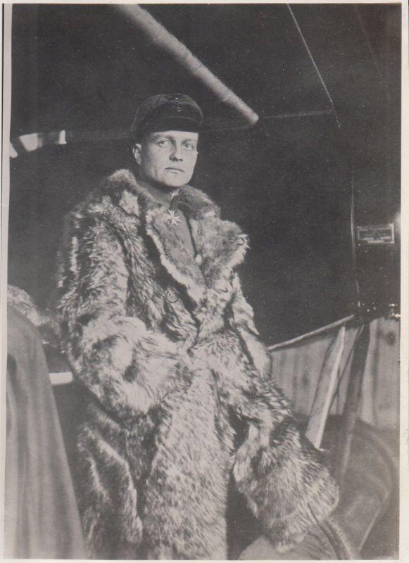 Manfred von Richthofen pilot fur coat