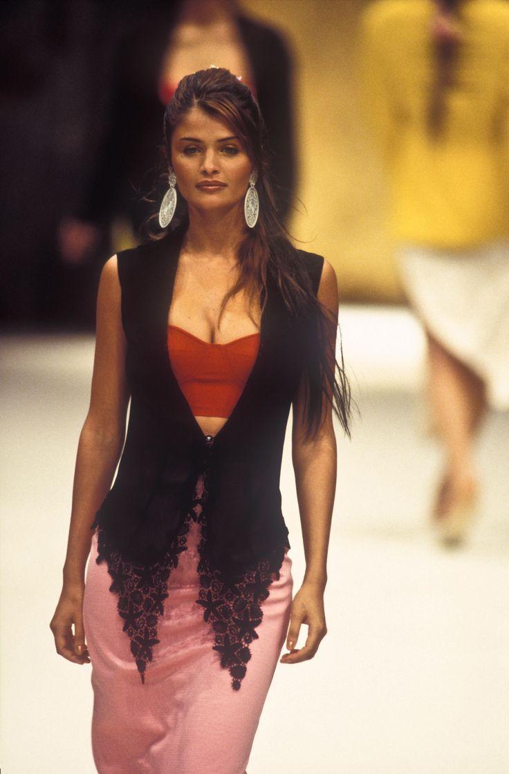 Helena Christensen Rifat Ozbek RTW S/S 1993