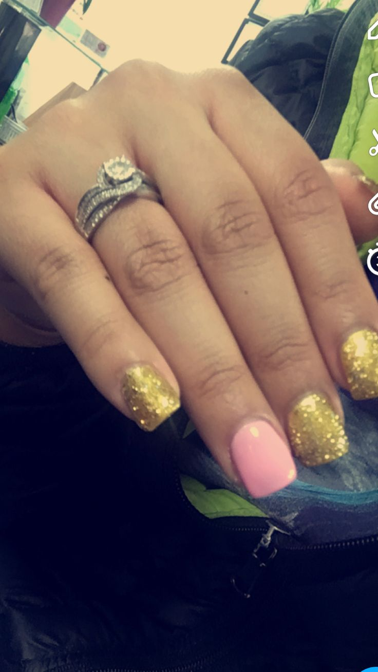 Gender reveal nails #Babygirl #May #girly #pink #teammontemayor #gold