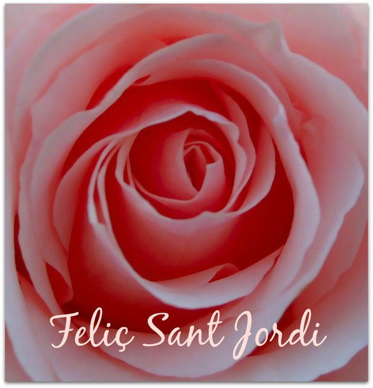 Feliç Sant Jordi! Gaudiu d'aquest fantàstic dia, ple d'amor, roses i llibres. #SantJordi2015