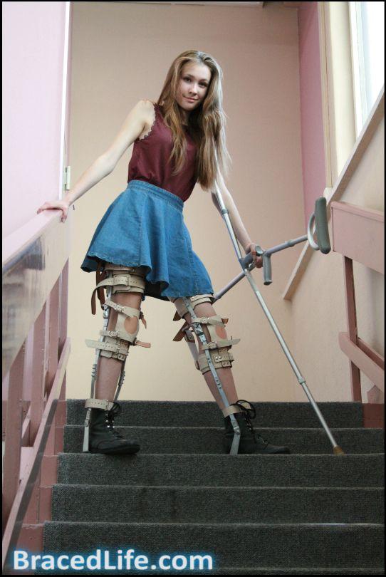 Women Leg Brace Movie 93