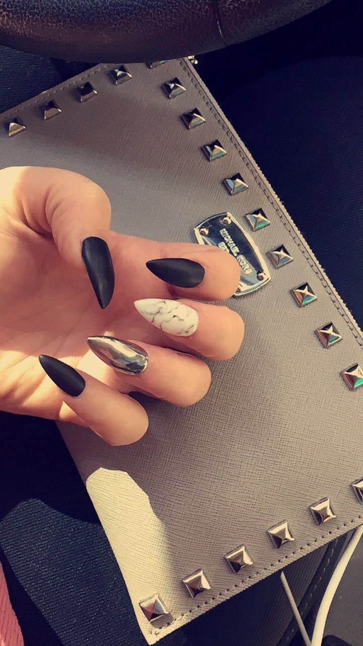 Matte black with a marble and chrome accent nail #roseandgoldnails @rg_katelynn