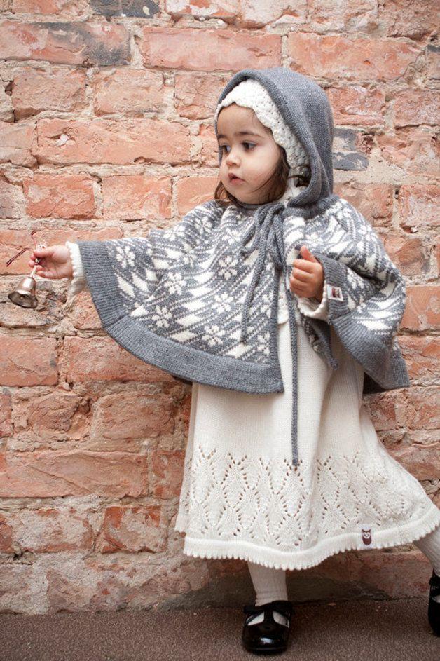 Mäntel - Kinderponcho, Gestricktes Poncho, Mantel,Taufe - ein Designerstück von MarumaKids bei DaWanda