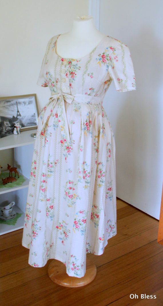 Retro, vintage maternity dress, 1960 vogue design.  Retro maternity dress, nursing dress in vintage fabric.