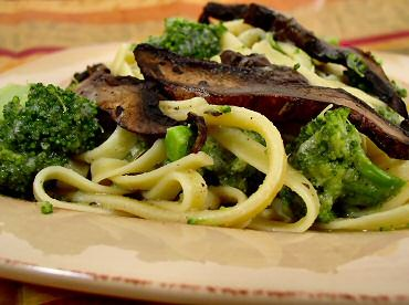 Fettuccine No-Fredo with Broccoli and Sautéed Mushrooms Adventures in ...
