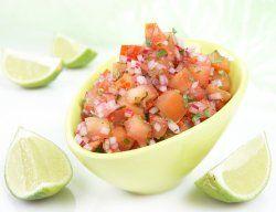 Hjemmelaga salsa. Kan også bruke 1 chili om 4 blir litt mye...