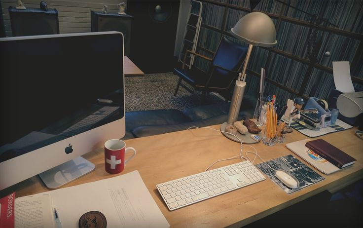 Here's Haruki Murakami's desk – is yours as tidy? Share your desk photos: what does your workspace look like? #guardian #murakami #desk #psichogiosbooks #organize