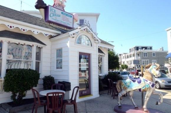 Ice Cream :-): Cream Parlor, Ice Cream, Cream Shoppe