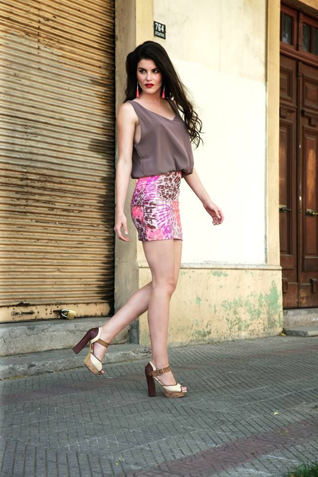 Burdeo Moda Trinidad Garcia Diseñadora 9-1407254 eri_mu@hotmail.com Instagram: @burdeomoda