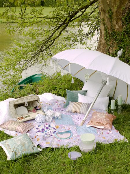picnic by the pond ...... I LOVE picnics! need to get a few more of these in this year!