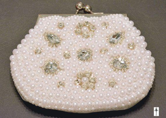 Vintage chic Bridal clutch by BYTWINS on Etsy
