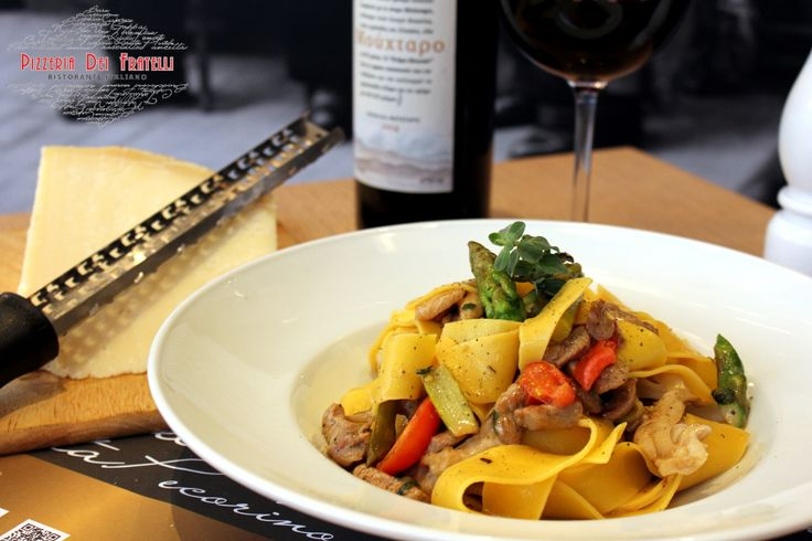 Parpadelle con Fileto Di Manzo-  parpadele με φιλέτο μοσχάρι, σπαράγγι, ντοματίνια με ποικιλία άπο μανιτάρια και φρέσκο ρίγανη