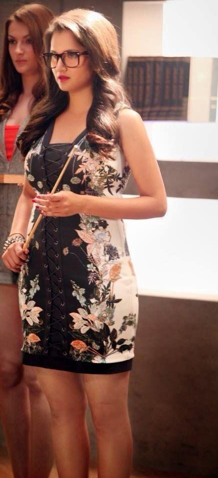 Round Book (Amazing World): Sania Mirza Hot Pics, Sania Mirza Photos