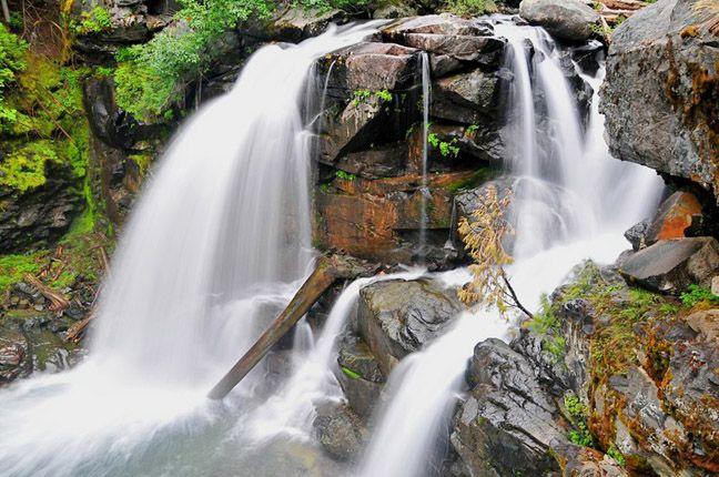 Waterfall hikes in WA.