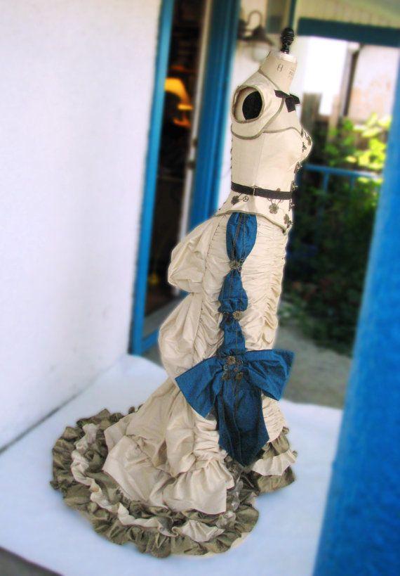 Victoriaanse natuurlijke vorm trouwjurkenop maat door VigilanteLabs