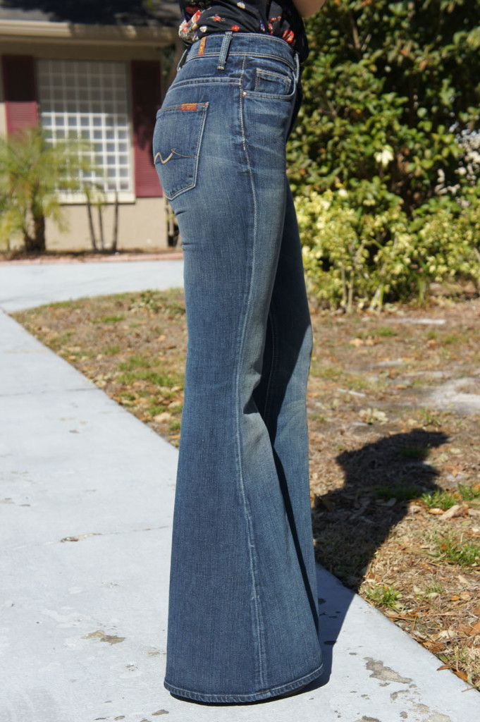 Best 25+ Bootleg Jeans Ideas On Pinterest | Trouser Jeans Outfit Metallic Weekend Dresses And ...