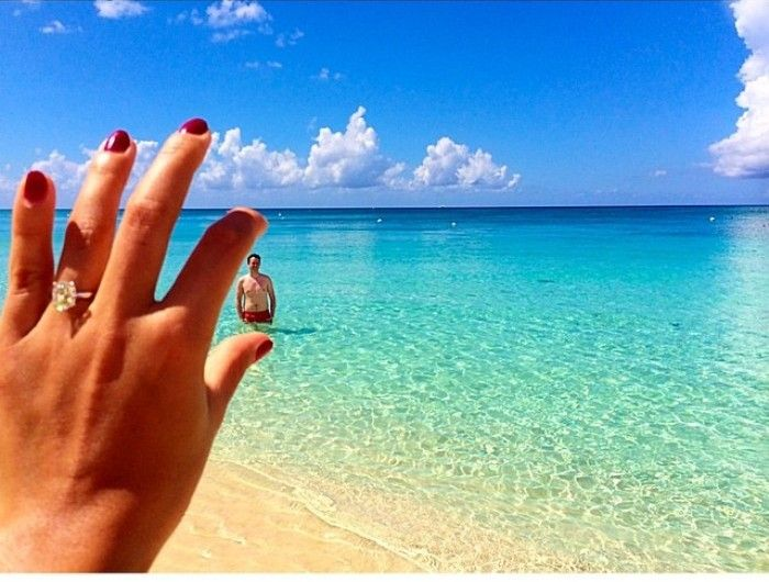 7 Cara Agar Foto Cincin Pertunangan Semakin Instagrammable