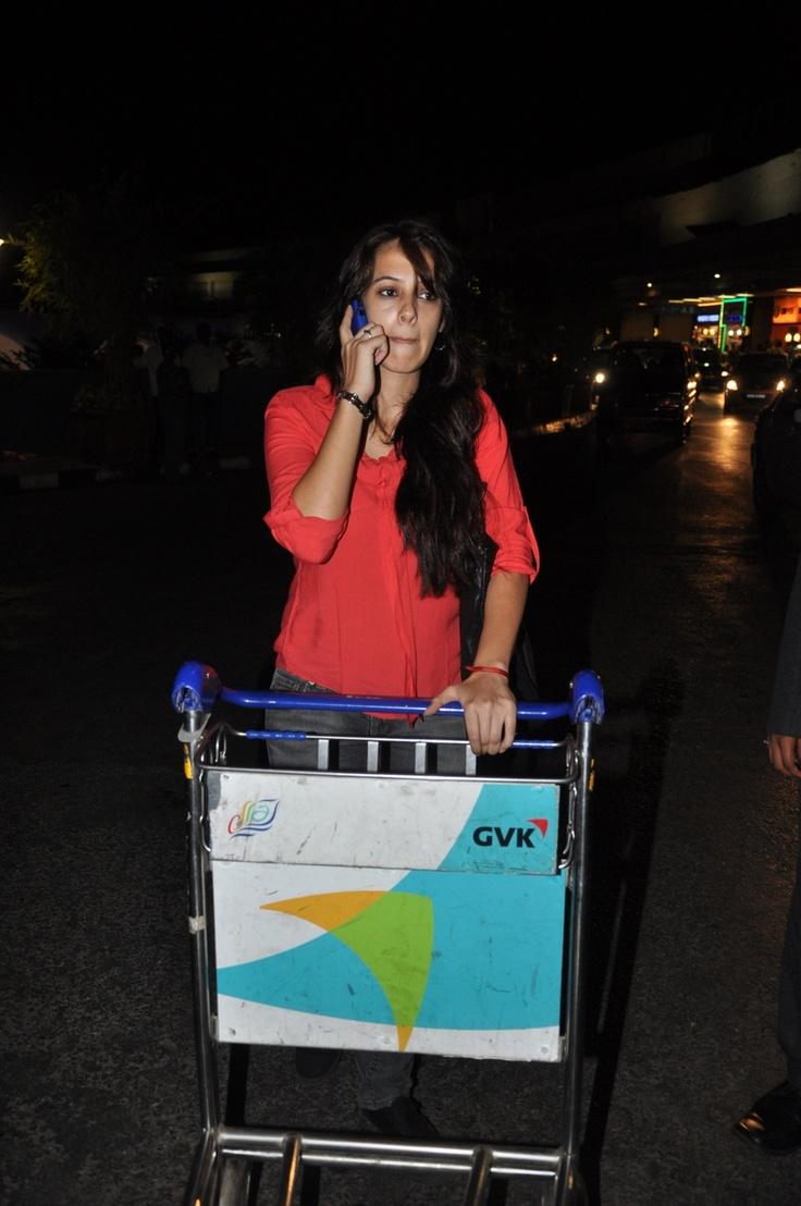Hazel Keech Leaving for TOIFA Awards.