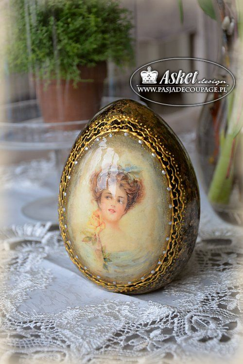 Wielkanoc w stylu retro - duże jajo ceramiczne z damą