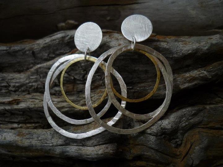 Aros de plata y bronce