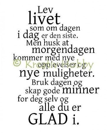 UM Stempel tekst - Lev livet - tekstcollage