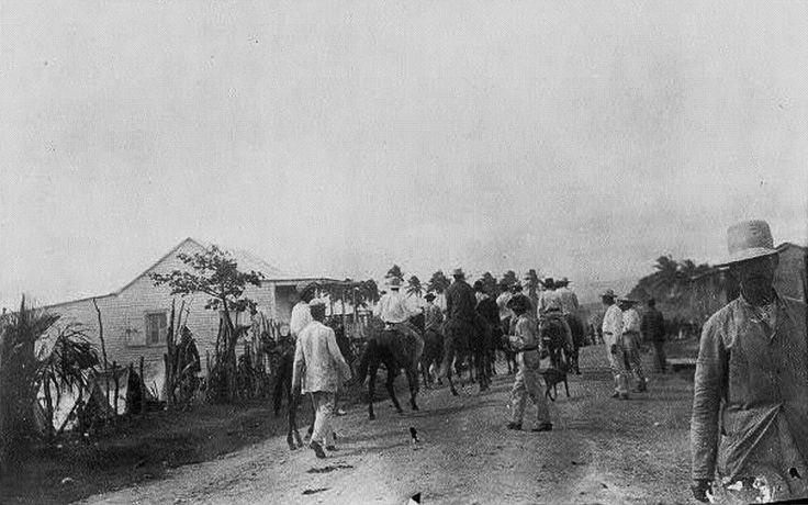Refugiados regresando al pueblo. Guánica, Puerto Rico (1898) Puerto Rico Historic Building Drawings Society