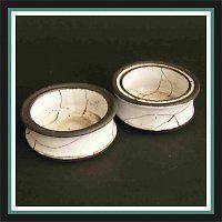 Slánky, harisovaná keramika.