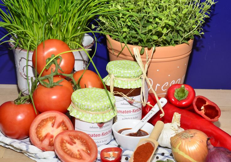 Ketchup - nie mehr den gekauften. http://zuhause-manufaktur.blogspot.de/2015/01/selbst-gemachtes-ketchup.html