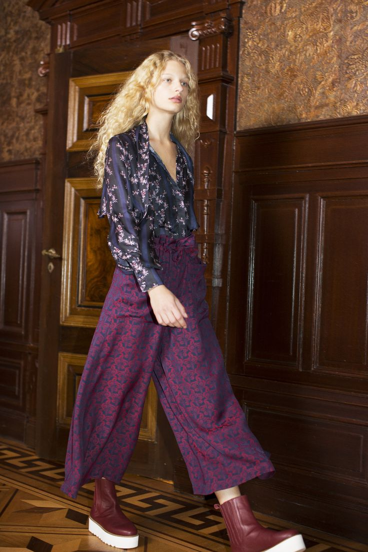 Rodebjer FW16: Top Vanessa Flower Black, Trousers Idesha Lush Navy/Wine, Shoes Mary Wine.