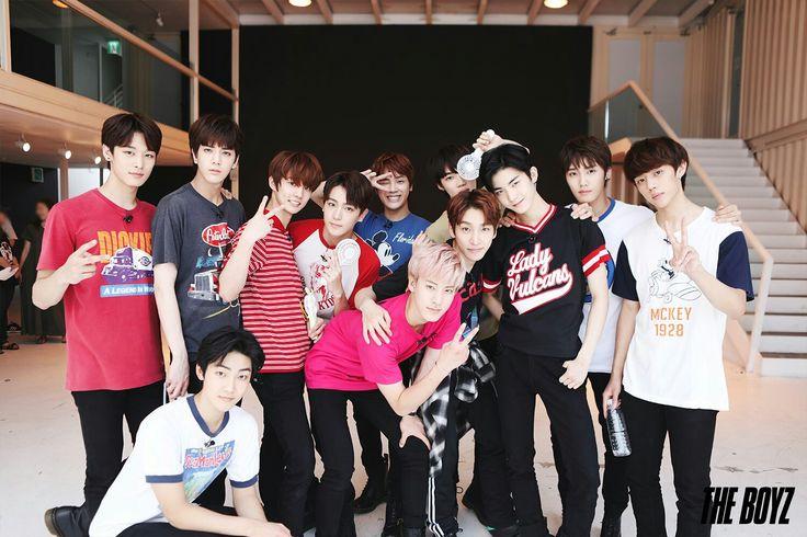 Korean New Groups      THE BOYZ  My bias Hwall