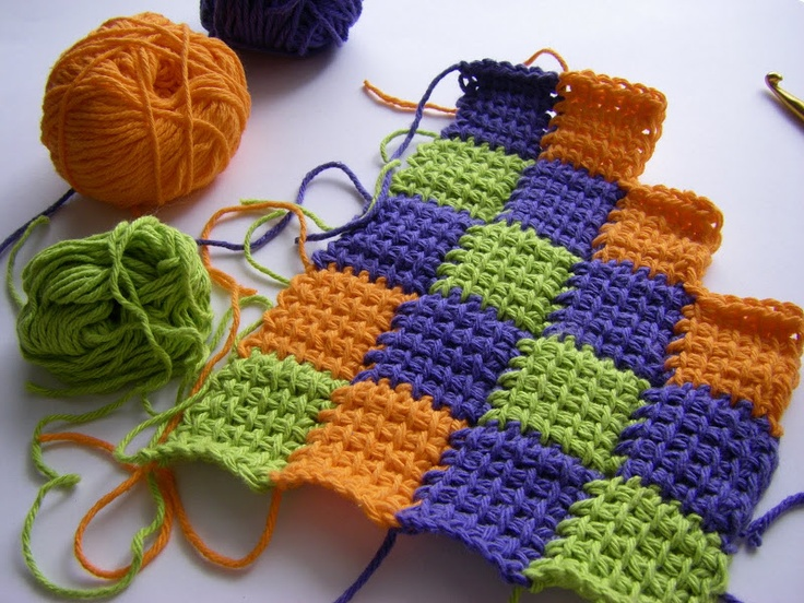 tunisian entrelac crochet {design idea; no pattern} || sew ritzy~titzy: it's hip to be square potholder