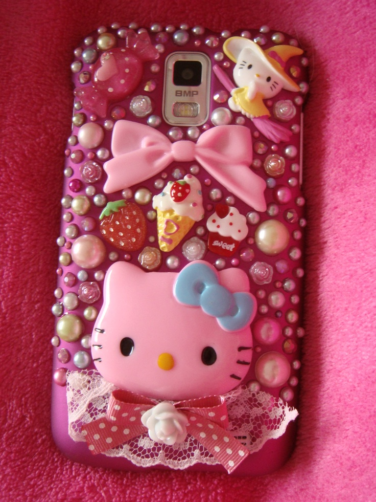 Decoden Skyrocket Case  Tutorial: http://www.diyfashiondiva.com/accessories/its-time-to-bling-up-my-new-phone-case
