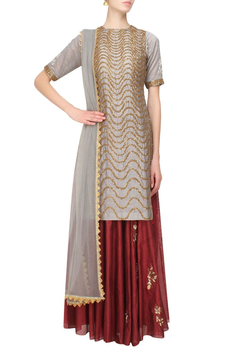 Grey snake pattern sequins embroidered kurta and maroon skirt set available only at Pernia's Pop Up Shop.