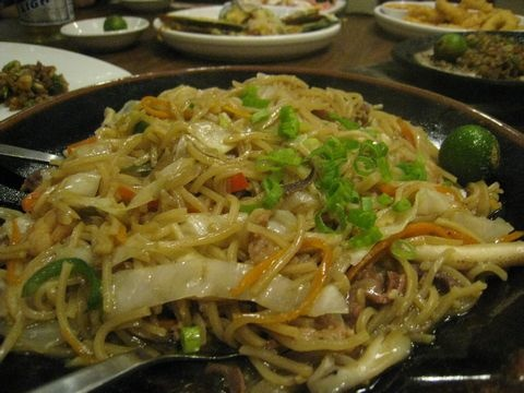 http://pinterest.com/ronleyba/filipino-recipes-philippine-foods-filipino-dish/ Pancit Guisado PHILIPPINE FOOD