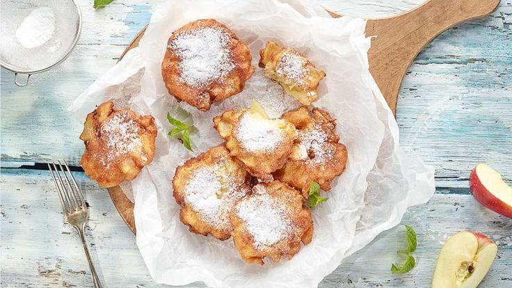 Wypróbuj nasz przepis na drożdżowe racuchy z jabłkami. To pożywny słodki deser lub alternatywna dla pączka przekąska na tłusty czwartek!