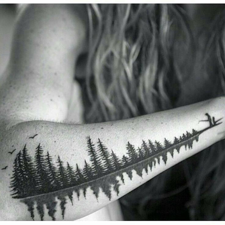 """""""At first this would just seem like a cool tattoo of some nature. I fact this is a soundwave of a father saying the word """"Babydoll"""" to his daughter. A…"""""""