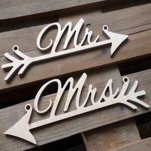 Yeni Rustik Ahşap Düğün Işareti Mr & Mrs Ok Işaretleri Düğün Sandalye Dekorasyon(China (Mainland))