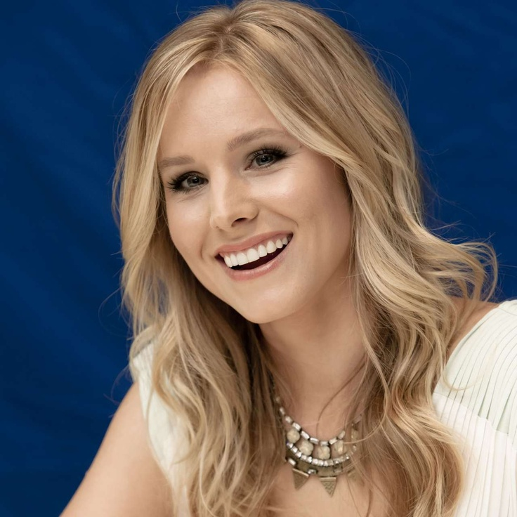 Kristen Bell and the 'Chappaqua' necklace.