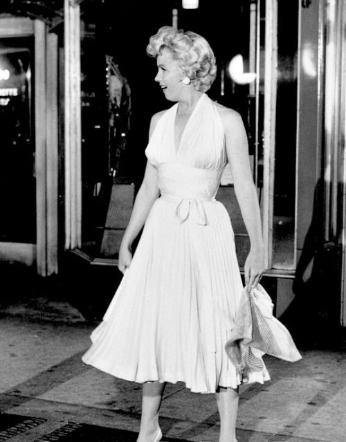 Marilyn Monroe On The Set Of The Seven Year Itch 1954