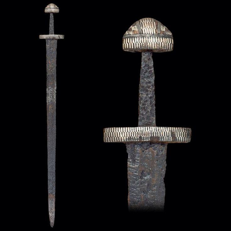 Bredt dateret til vikingetid.  Fra MyArmory.com