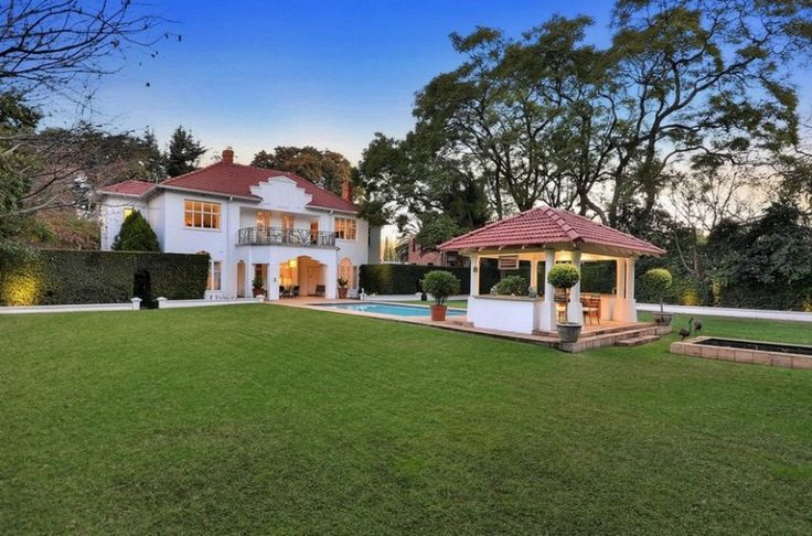 4 bedroom house for sale in Houghton Estate - The hunt ends here - the treasure: a very special home for a very special couple.