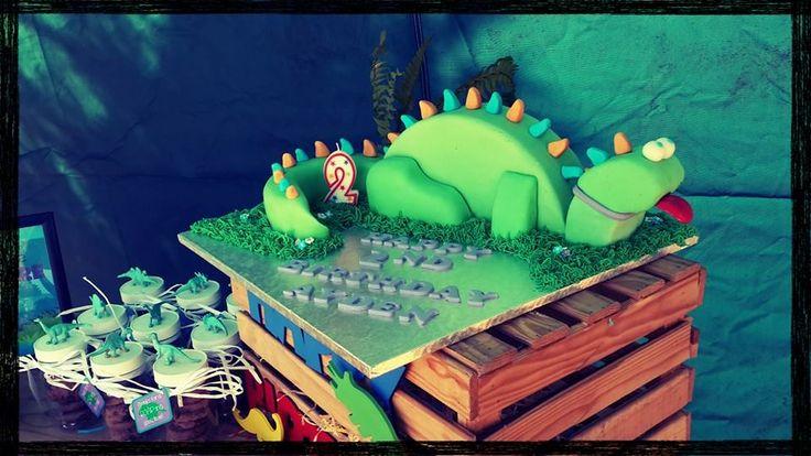 Dinosaur Party. Home made Dino cake.