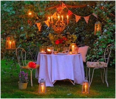 Me encantaria tener veladas en el jardin este verano. A ver si deja de llover!