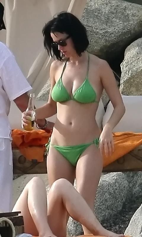 katy perry bikini  | girl wasn't looking for snow on Christmas! Katy Perry Bikini ...