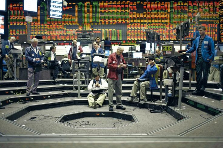 FIFTEEN YEARS AGO THERE WERE 10,000 TRADERS ON THE FLOOR OF THE CHICAGO MERCANTILE STOCK EXCHANGE. TODAY, ABOUT 1,000 REMAIN. | Going to Mar...